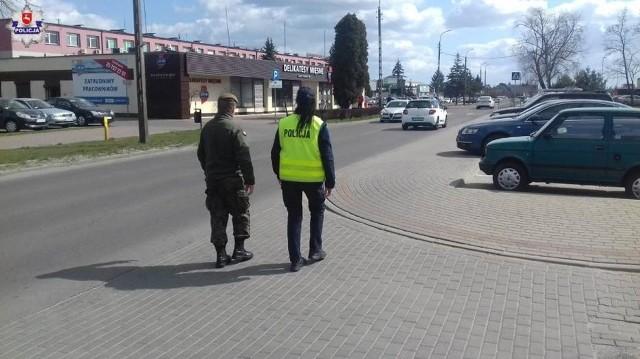 W ramach akcji prowadzonej w całym województwie, łukowscy policjanci i żołnierze WOT patrolowali ulice miasta oraz okoliczne miejscowości