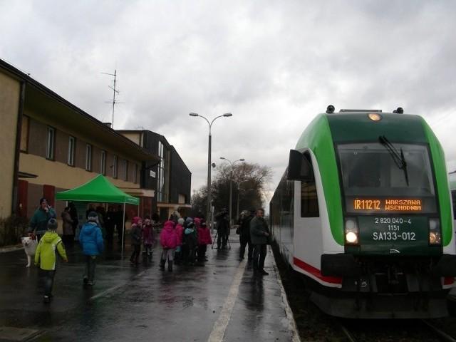 W piątek, 10 stycznia o godz. 13.01 ze stacji kolejowej Hajnówka ponownie odjechał bezpośredni pociąg osobowy do Warszawy. Podróż do stolicy trwała trzy godziny.