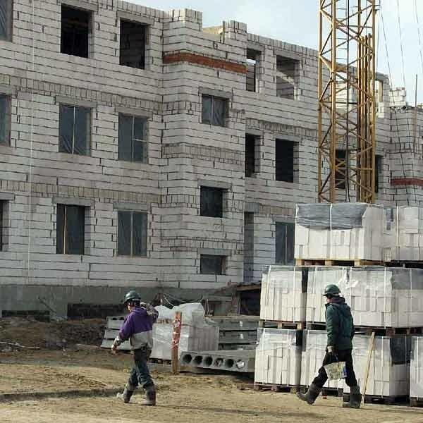 Dzięki lekkiej zimie prace budowlane idą pełna parą.