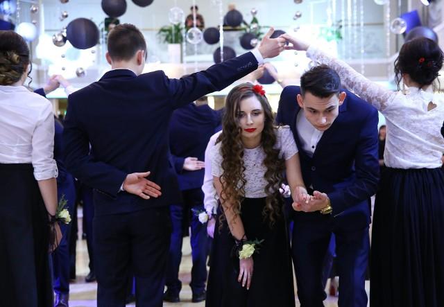 Studniówki 2018. Studniówka II Liceum Ogólnokształcącym w Piotrkowie Trybunlaskim
