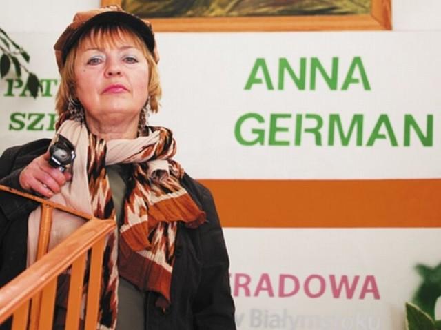 Helena Mieszkuniec prowadzi swą szkołę od 20 lat. Wyszkoliła całą rzeszę artystów, m.in. Karolinę Cichą.