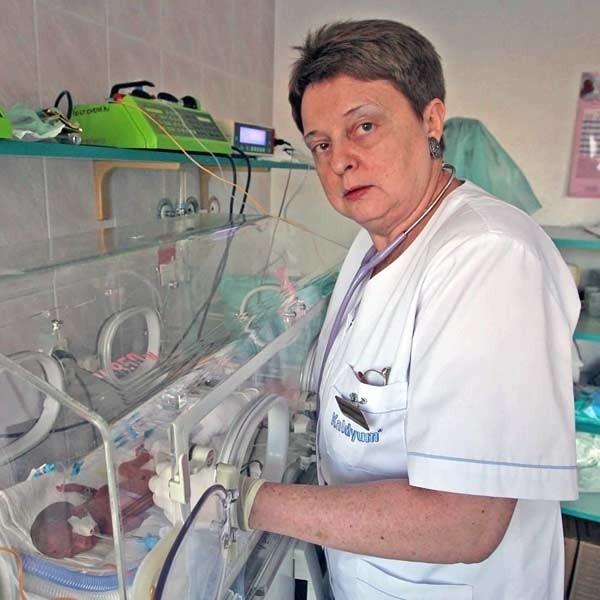 - Ja i 3 moje koleżanki z oddziału, popieramy żądania OZZL. Pracujemy bardzo ciężko, odpowiadamy za życie pacjentów. Chcemy w końcu godnie zarabiać - mówi Bożena Olech, p. o. ordynatora oddziału neonatologii w SM w Rzeszowie.
