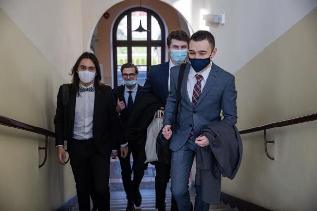 Krakowscy maturzyści niebawem wybiorą, gdzie chcą studiować i kim zostać w dorosłym życiu...
