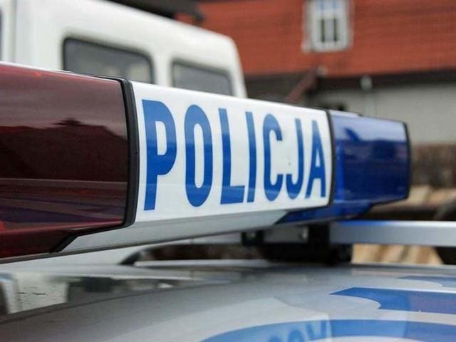 Policja wyjaśnia okoliczności wypadku.