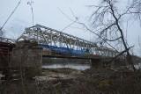 Zobacz, jak wygląda remont mostu kolejowego na Odrze w Pomorsku!