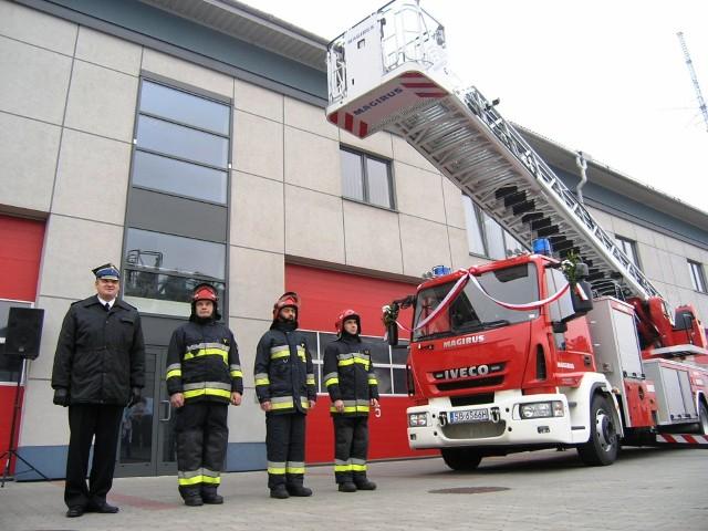 Bielscy strażacy aktualnie dysponują dwoma samochodami z wysokimi drabinami. Ale jeden z pojazdów powinien zostać wymieniony 10 lat temu