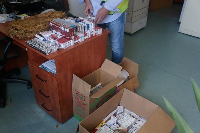 W Świętochłowicach mundurowi przechwycili ponad 10 tys. sztuk nielegalnych papierosów