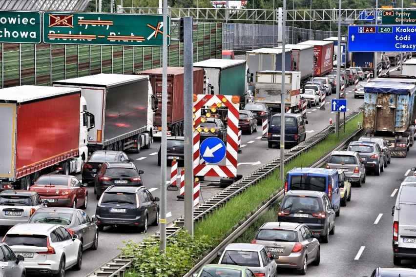 Korek na autostradzie A4 w Katowicach...