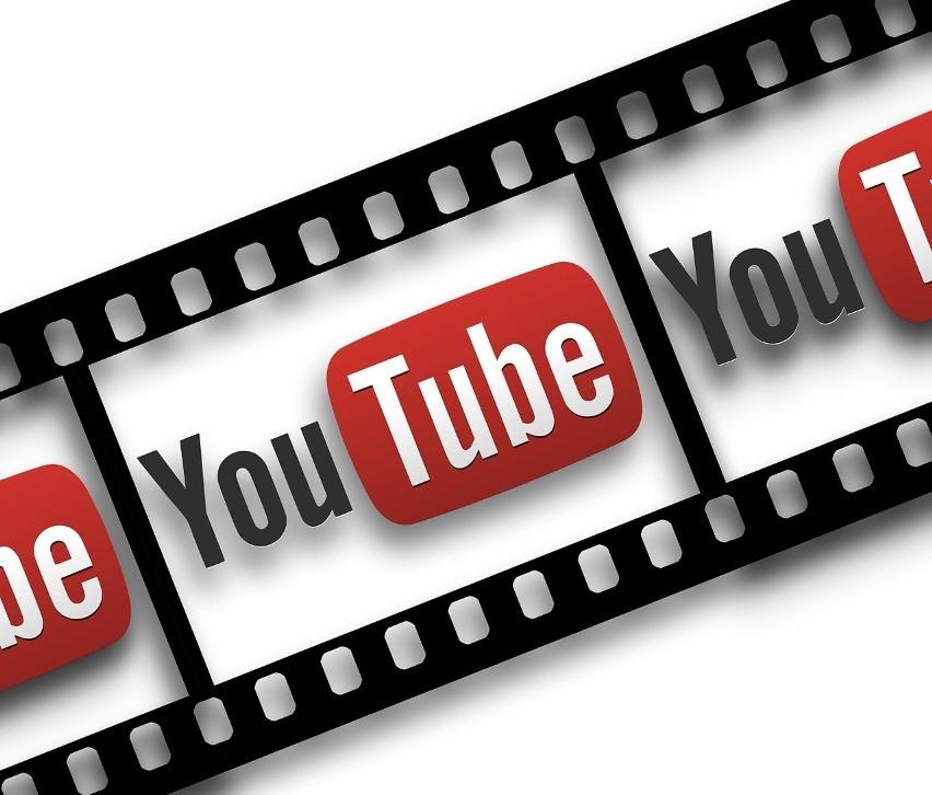 Zarówno Gmail, jak i konto Youtube należą do Google, zatem...