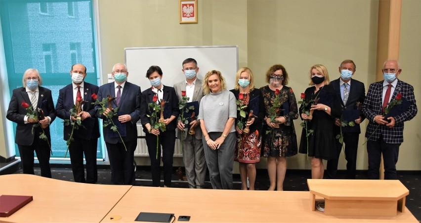 30-lecie Opolskiej Izby Lekarskiej. Podczas uroczystości wręczono okolicznościowe nagrody i wyróżnienia.