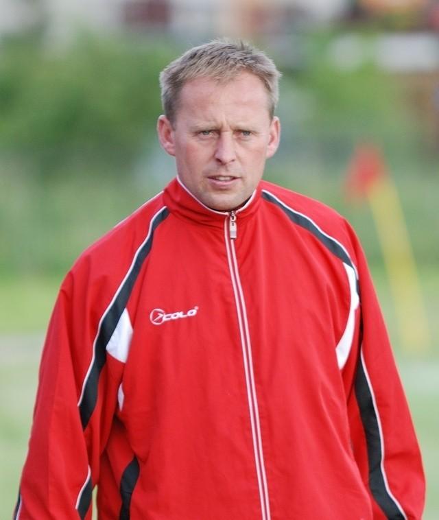 Trener Rasela, Sławomir Konarski.