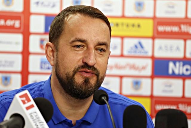 - Trener Zbigniew  Smółka będzie uczestniczył w całym cyklu szkoleniowym, będzie obecny podczas pracy i treningu pierwszej drużyny – zapowiada europoseł Tomasz Poręba,