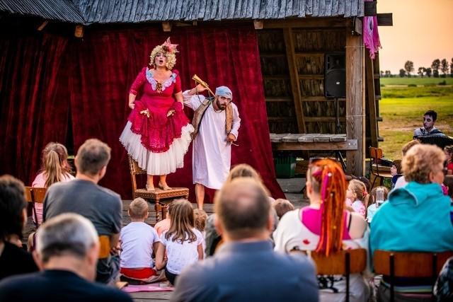 """W sobotę, 22 sierpnia w plenerze na placu przed Teatrem Przedmieście przy ul. Reformackiej 4 w Rzeszowie odbędzie się  spektakl """"Circus Paradise"""""""