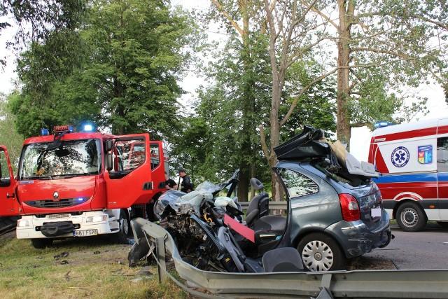 W okolicach miejscowości Andryjanki miał miejsce wypadek drogowy z udziałem samochodu osobowego oraz busa.