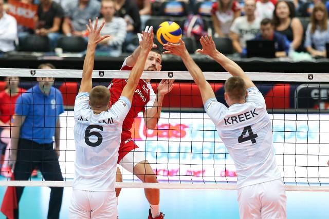 Reprezentacja Polski wygrała z Estonią 3:1 w swoim pierwszym meczu mistrzostw Europy. Biało-Czerwoni mieli trudną przeprawę z agresywnie grającym przeciwnikiem. Zobacz, jak piątkowa rywalizacja wyglądała na zdjęciach.