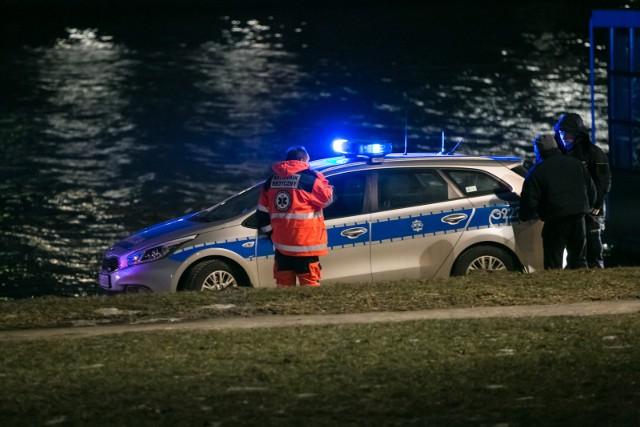 W nocy trwały poszukiwania mężczyzny nad jeziorem Rudnickim. Dzisiaj rano na szczęście się odnalazł