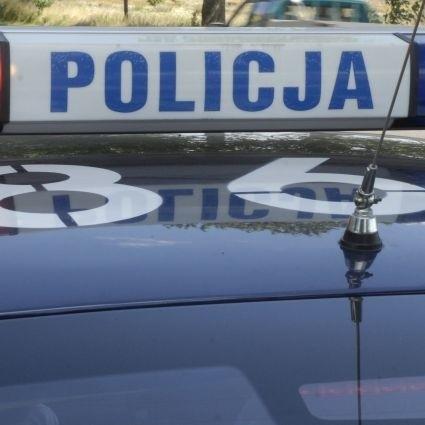 policjanci pracują nad wyjaśnieniem okoliczności, w których doszło do spożywania alkoholu przez osobę nieletnią oraz ustaleniem, kto udostępnił jej alkohol