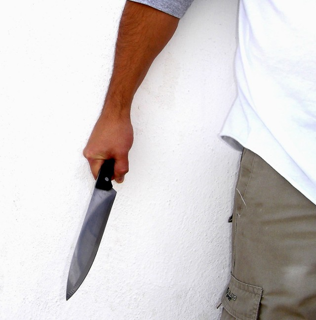 Mężczyzna jest podejrzany o to, że podczas libacji poderżnął gardło swojej znajomej.