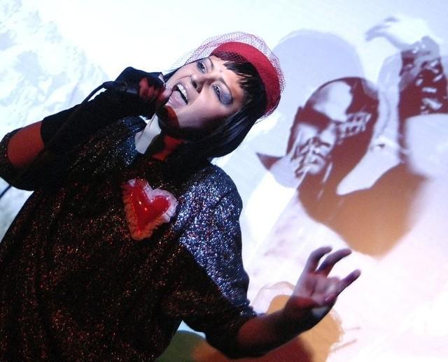 Skinny Patrini podczas występu w Młodzieżowym Centrum Kultury.