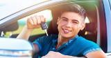 Kupno samochodu na 18-tkę - przesada czy już zasada? Eksperci z Autoplac komentują
