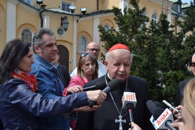 Biskupi na Jasnej Górze podpisali akt oddania Polski w macierzyńską niewolę miłości Maryi