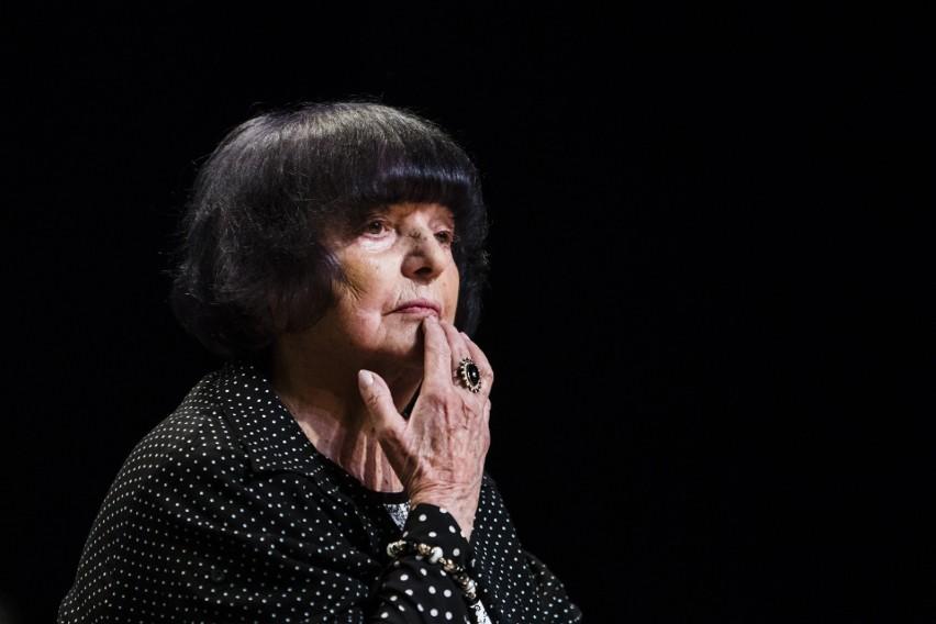 Hanna Krall urodziła się w 1935 roku w Warszawie. Holokaust...