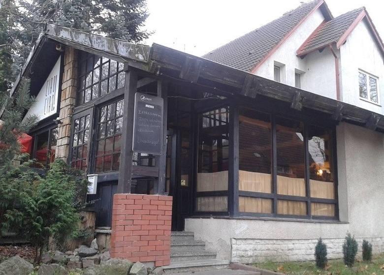 Przy ul. Jana Ostroroga w Słupsku mieści się pizzeria Black...