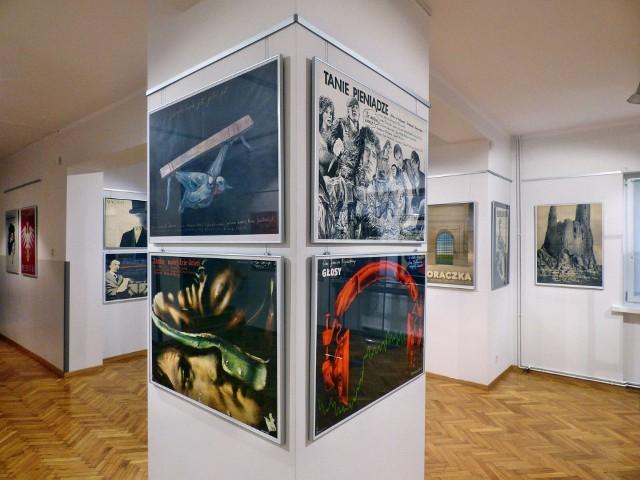 Plakaty filmowe z piwnic i różnych szaf udało się Grażynie Graszce uratować przed zniszczeniem i zapomnieniem