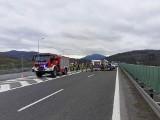 Wypadek w Pcimiu. Potrącenie pieszego na zakopiance. Droga już odblokowana