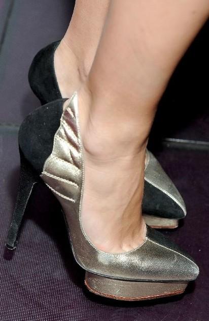 d87273d6d86a5 Słabość do obcasów - Gwiazdy kochają markowe buty od klasycznych po ...