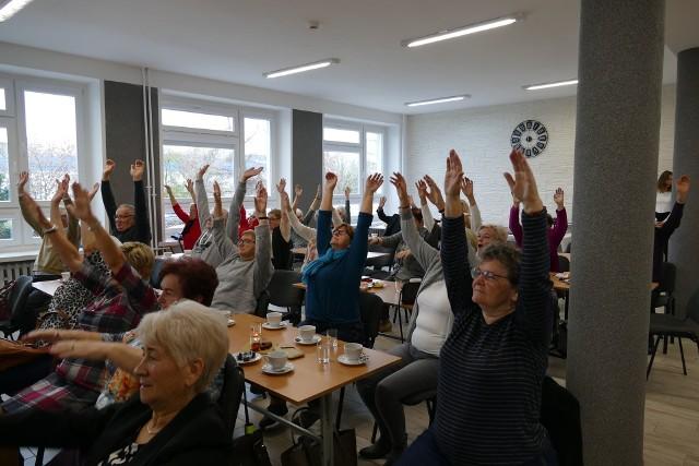 """""""Zdrowy styl życia łączy pokolenia"""" - to hasło towarzyszyło niecodziennemu spotkaniu, które odbyło się w Zespole Szkół Budowlanych w Bydgoszczy."""