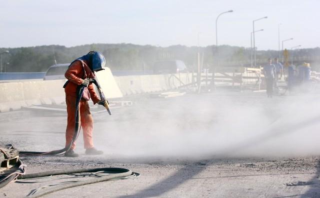 Oferty pracy z firm budowlanych są jednymi z najczęściej się pojawiających.