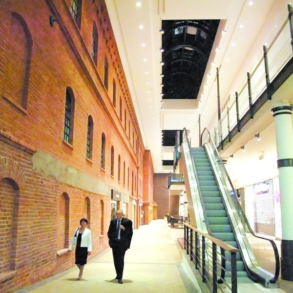 W galerii Alfa najbardziej podoba się połączenie nowoczesności ze starą fabryką