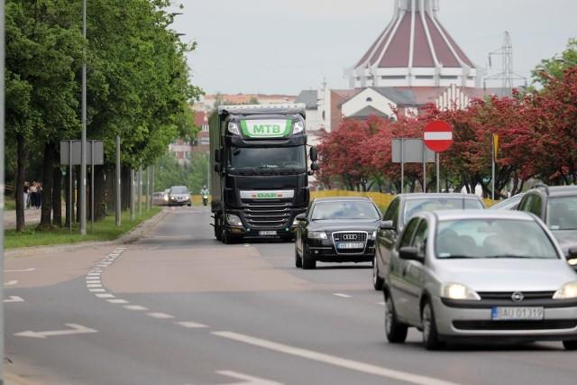Tiry jak jeździły Piastowską w Białymstoku, tak nadal będą z niej korzystały. Nie ma widoków, by się to zmieniło