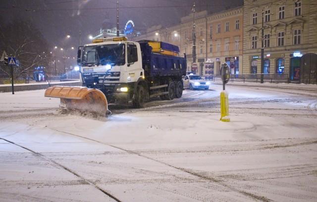 W najbliższych dniach w Krakowie są spodziewane pierwsze opady śniegu. Służby są w pełnej gotowości