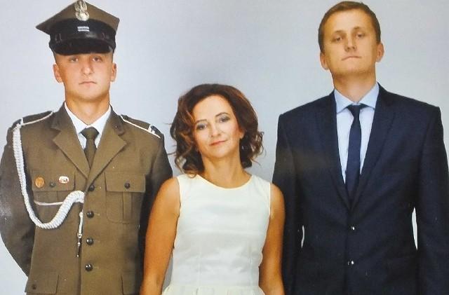 Wojewoda Agata Wojtyszek z synami