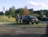 Wypadek na skrzyżowaniu Kuronia i Myśliwskiej. Czworo rannych musiała wydobyć z aut straż pożarna