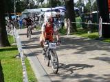Na rowerach wokół jeziora Miedwie. Zobacz jak to było przed laty
