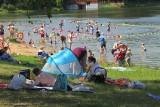 Strzeżone kąpieliska w regionie łódzkim, godziny otwarcia i ceny. Gdzie się kąpać w Łodzi i w regionie w sezonie 2020?