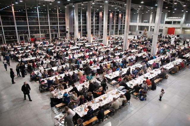 W Centrum Wystawienniczo-Kongresowym w Opolu miejsce przy wigilijnym stole znajdzie co najmniej 1200 osób.