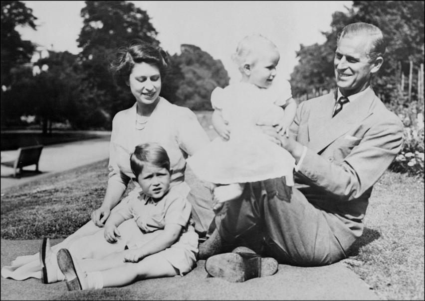 Książę Filip nie żyje. Zmarł w wieku 99 lat.