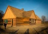 Do skansenu w Wielkiej Nieszawce trafiły elementy kolejnej chaty