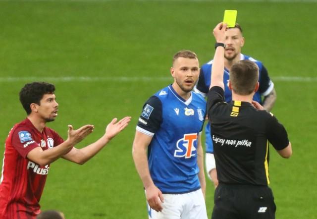 Tym razem nie Jesper Karlstroem został upomniany przez sędziego, tylko wspólnie z młodymi piłkarzami Cukier Asów pokazał żółtą kartkę cukrzycy