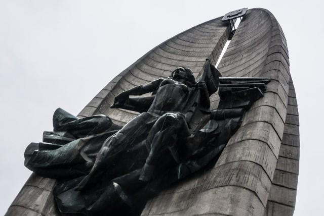 22.11.2017 rzeszow pomnik czynu walk rewolucyjnych plan rozbiorki pomnika ze wzgledu na ustawe o dekomunizacji przestrzeni publicznej fot krzysztof kapica