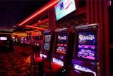 Restauracje zamknięte, a kasyna działają w najlepsze