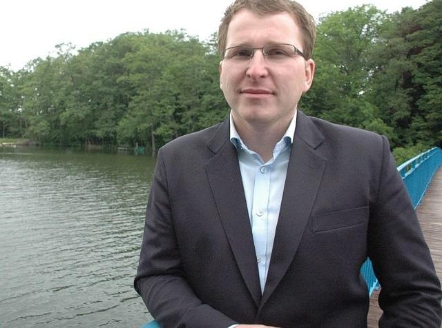 Dziennikarska ocena pracy burmistrza Lubniewic Tomasza Jaskuły: 5 z minusem