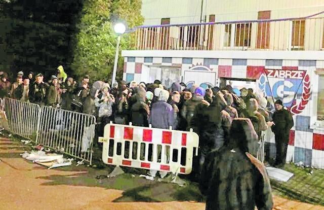 W kwietniu 2015 r. mecz Górnika z Ruchem obejrzało 3 tys. widzów, którzy zasiedli na starej trybunie