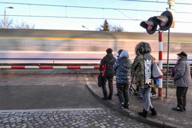 Konstantynów Łódzki protestuje przeciwko szybkiej kolei.