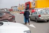 Lockodown ogłoszony. W białostockich hipermarketach budowlanych i meblowych zakupowy szał (zdjęcia)