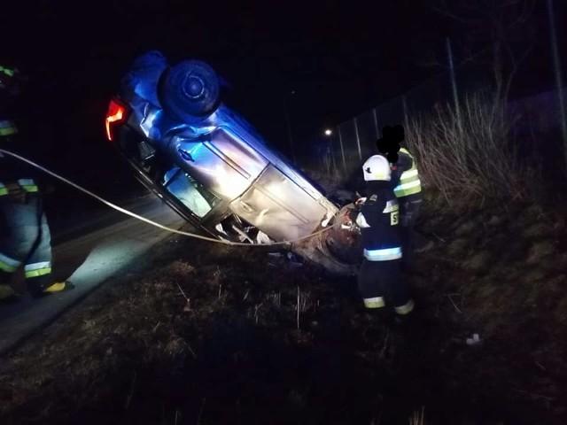 Jak podają strażacy z OSP Wasilków, do poważnego wypadku doszło w Wasilkowie około godziny 19. Źródło: OSP Wasilków